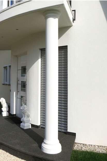 Schöne Betonsäulen für den Hauseingang
