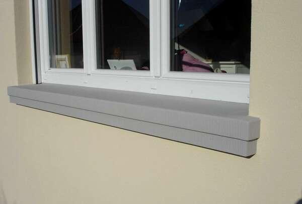 Scharrierte Betonfensterbank SLB 300 mit Tiefe auf Maß