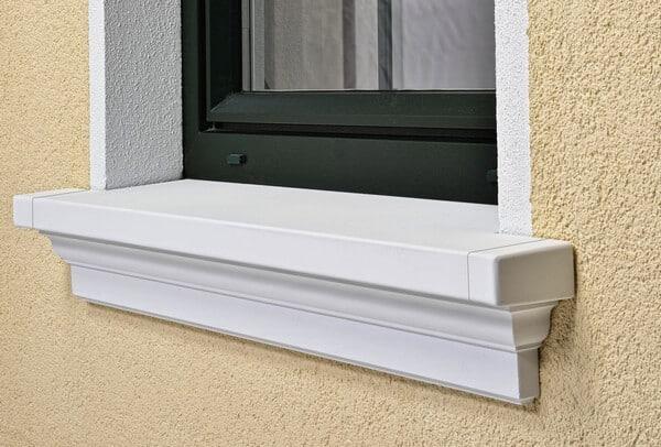 Hochwertige Fensterbank aus Betonwerkstein für den Außenbereich