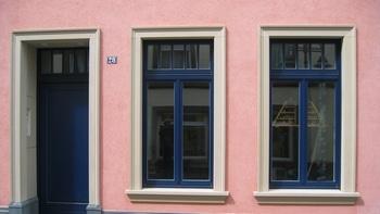 Tür– und Fensterumrahmungen